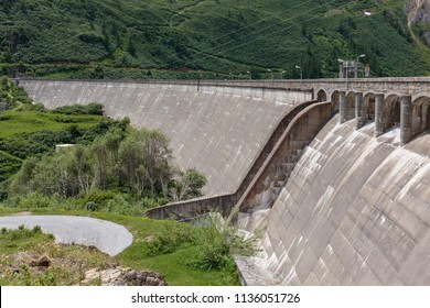 a dam on a lake di Morasco, artificial lake used in electricity generation