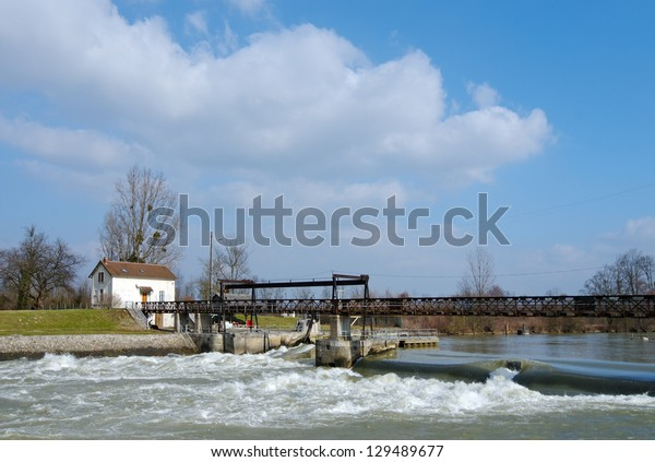 Dam on marne river