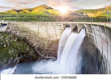 Dam over Eresma river, Segovia (Spain). Pontoon Reservoir.