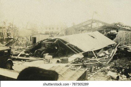 Damage in Florida after of the 1928 Okeechobee Hurricane, which caused more than 4,000 deaths. Over 300 deaths occurred in Puerto Rico, before it killed 2,500 in Florida. It is the second-deadliest st
