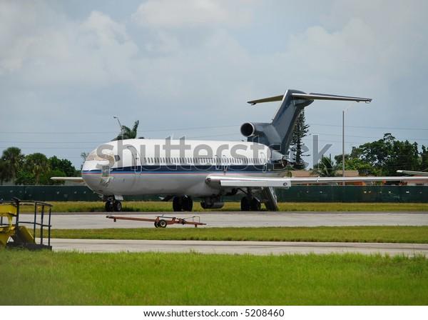 Damaged Boeing 727 jetliner