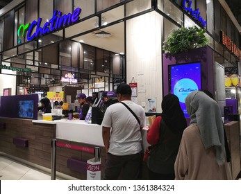 Damansara, Malaysia - 31 March 2019 : Customers line up at Tealive store in Shah Alam-Malaysia, is a Chatime re-brand outlets.Chatime is a Taiwanese global franchise teahouse chain based in Taiwan.
