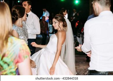 Dance of the bride on the wedding dance floor