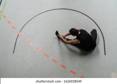 dancer move in circle on floor plane, contact improvisation, on red and black arc stripes