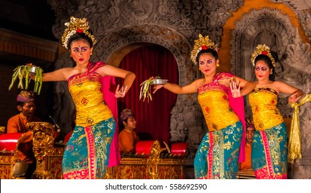 dances during a traditional Kecak Dance ceremony The ancient Hindu temple features ocean cliff views and wild monkeys. - December 2016 Indonesia Bali Ubud
