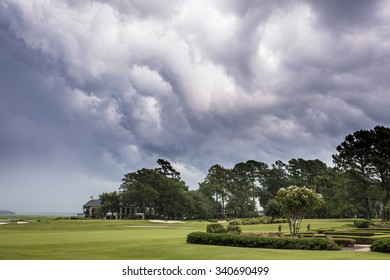 Dangerous storm moving over golf course