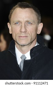 """Daniel Craig arriving for the premiere of """"The Girl with The Dragon Tattoo"""" at the Odeon Leicester Square, London. 13/12/2011. Picture by: Steve Vas / Featureflash"""