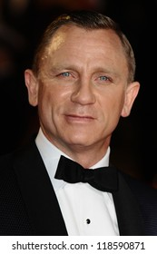 Daniel Craig arriving for the Royal World Premiere of 'Skyfall' at Royal Albert Hall, London. 23/10/2012 Picture by: Steve Vas