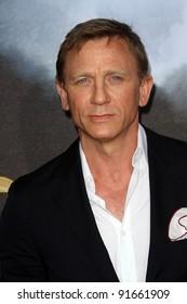 """Daniel Craig at the """"Cowboys & Aliens"""" World Premiere, San Diego Civic Theatre, San Diego, CA. 07-23-11"""