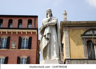 Dante Alighieri famous Italian Writer Statue. Author of the Divine Comedy with Inferno Hell Paradise and Purgatory Poems
