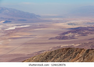 Dante's View is a viewpoint terrace at 1,669m height, on the north side of Coffin Peak, along the crest of the Black Mountains, overlooking Death Valley.