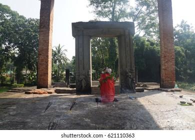 Da-Parbatia Temple ruins in Tezpur Assam is the oldest and finest representation of architectural splendor.
