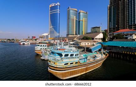 Dar port