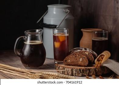 Dark bread kvass