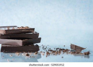 Dark Chocolate Bar with Crumbles