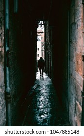 A dark and creepy characteristic close in Edinburgh