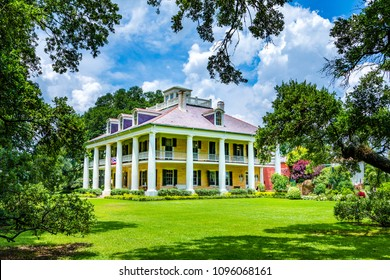 DARROW, USA - JULY 14, 2013: famous Houmas House plantation in Darrow, USA. Irishman John Burnside bought the plantation in 1857 for USD 1 million.