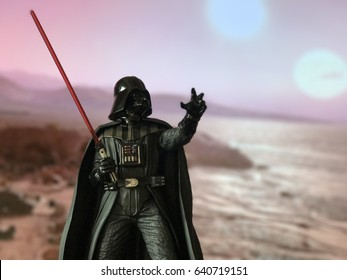 Darth Vader figure returns to Tatooine