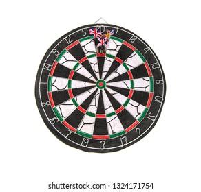 darts three darts in bulls eye