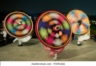 Darvish dancers, Traditional Egyptian dance known as Tanoura
