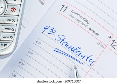 a date is entered on a calendar: tax consultants