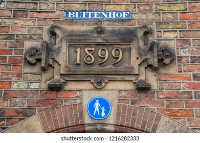 Date Sign At The Entrance Of The Binnenhof Den Haag The Netherlands 2018