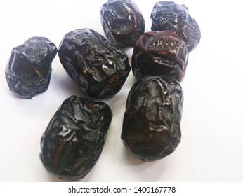 dates (ajwa) with sweet taste, to break their fast in the month of Ramadham