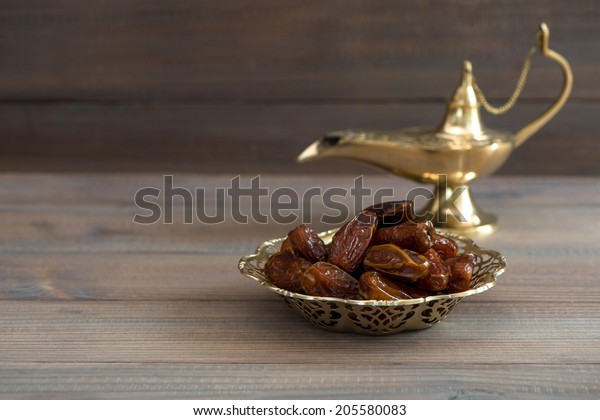 Aladdin lampa datovania Versailles strážiť datovania