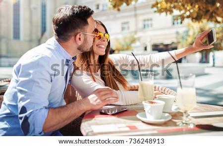 Dating cafe de