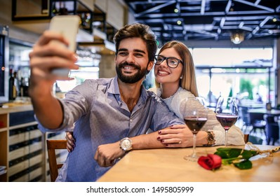 On jokin yksi suunta jäsenet dating ketään