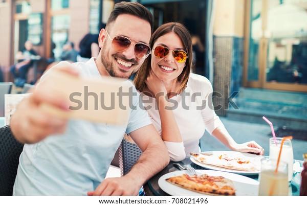 dating pizza dating agenturer brussels