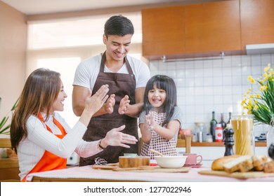 Daughter help parent preparing the bake  Family concept.