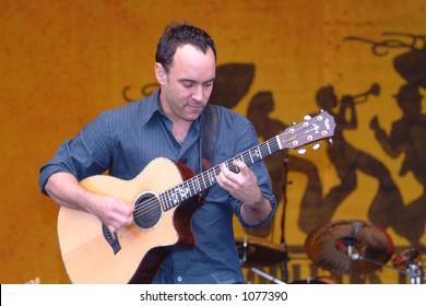 Dave Matthews at the 2005 New Orleans Jazzfest