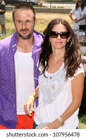 """David Arquette and Courteney Cox  at """"A Time For Heroes Celebrity Carnival"""" benefitting the Elizabeth Glaser Pediatric AIDS Foundation. Wadsworth Theater, Los Angeles, CA. 06-08-08"""