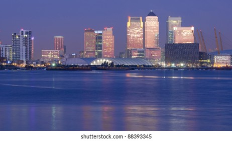 Dawn over Canary wharf