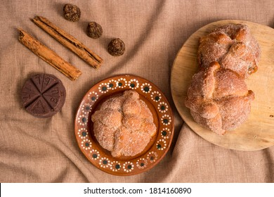 Day of the dead traditional bread with brown sugar, cinnamon and chocolat