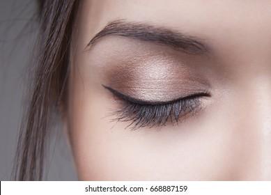 day makeup on one eye macro