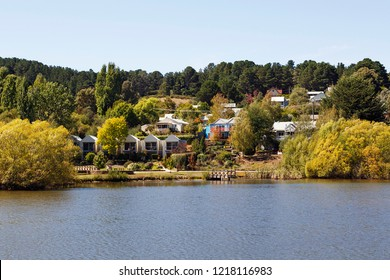Daylesford, Australia: March 23, 2018: View of houses on the lake in Daylesford - Australia.