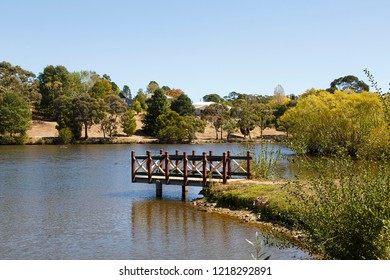Daylesford Lake to the north-west of Melbourne is a small town area popular with city visitors at the weekend.