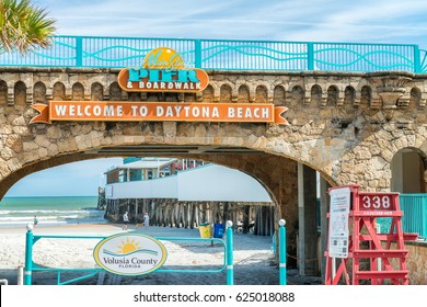 DAYTONA BEACH - FEBRUARY 17, 2016: Road to the beach. Daytona is famous for its road along the main beach.