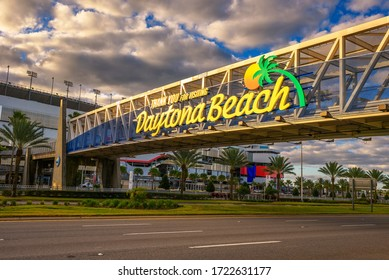 Daytona Beach, Florida, USA - January 9, 2020 : Welcome sign located at the Daytona International Speedway. This race track is the home of the Daytona 500, the most famous race in NASCAR.