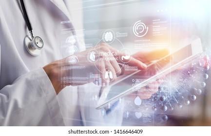 デクターは、コンピュータを使用して、デジタルタブレット医療医師のテクノロジタブレットに取り組んでいます