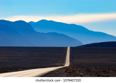 Death Valley, Road to the Mountains