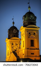 Debrecen city church towers right before sunset - Debrecen város