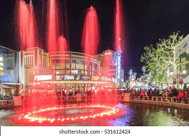 DEC 12, Los Angeles: Christmas at the shopping mall - The Grove on DEC 12, 2015 at Los Angeles