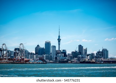 Dec, 2016 - Auckland City and Sky Tower : Auckland City lookout from Queens Parade Reserve