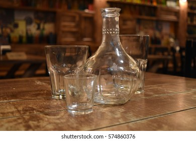 decanter glasses on a table in a cafe