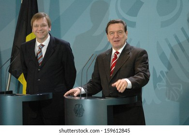 DECEMBER 1, 2004 - BERLIN: German Chancellor Gerhard Schroeder with the Belgian Prime Minister Guy Verhofstadt at a meeting in the Chanclery in Berlin.