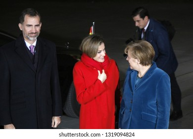 DECEMBER 1, 2014 - BERLIN: Spanish King Felipe VI, Queen Letizia, Chancellor Angela Merkel before a meeting in the Chanclery in Berlin.