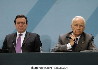 DECEMBER 16, 2004 - BERLIN: Chancellor Gerhard Schroeder, Edmund Stoiber at a press conference in the Chanclery in Berlin.